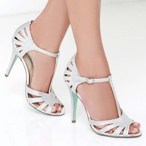 BETSEY JOHNSON Tee Silver glitter sandals,9!NWT
